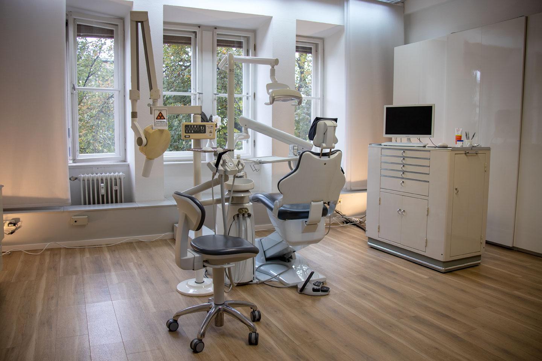Praxisraum 1 Dr. med. dent. Prestele M. Sc. in München