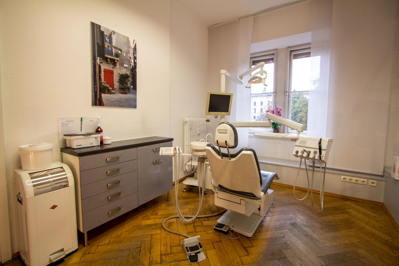 Praxis 2b Röntgen Dr. med. dent. Prestele M. Sc. in München