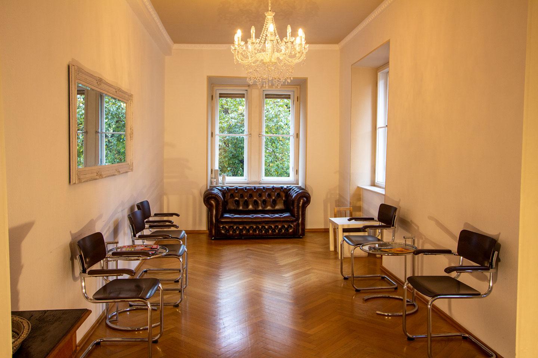 Wartezimmer Patienten Dr. med. dent. Prestele M. Sc. in München